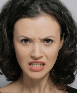 comunicare nonverbala emotii mânia
